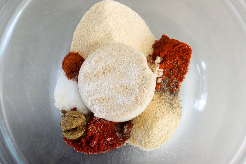 Sweet and Smoky Dry Rub Spices in Glass Bowl.