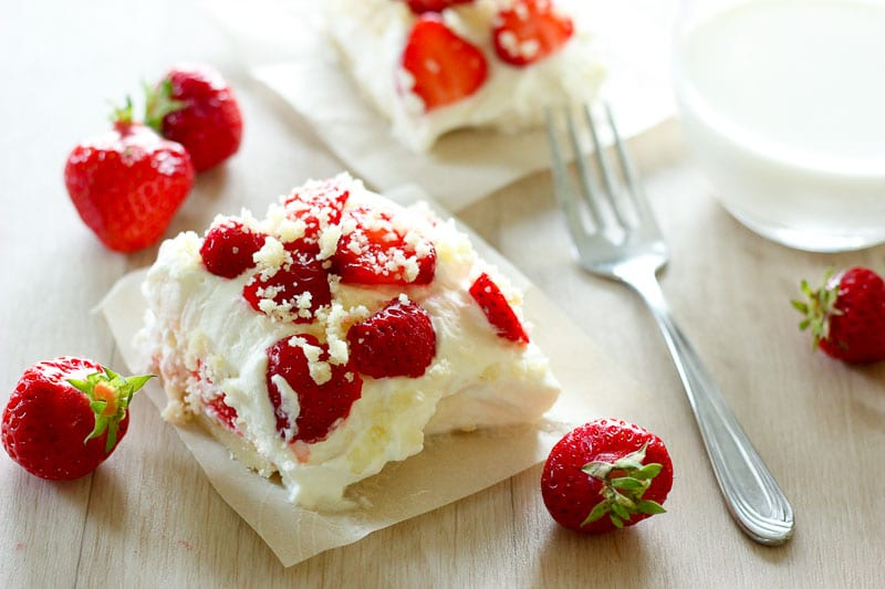 Fresh Strawberry Shortcake Bars