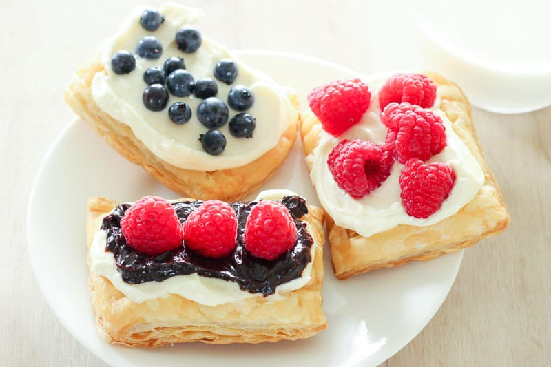 Easy Berry and Cream Cheese Pastries – for breakfast, brunch or dessert!