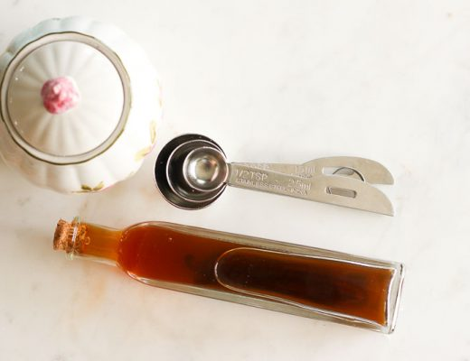 Learn how easy it is to make homemade vanilla extract and save money on groceries! Store bought vanilla extract is SO expensive, but you can make your own in just a fewminutes, for a few dollars! Makes a great gift too!