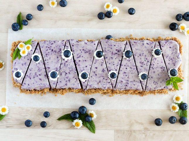 No bake blueberry cheesecake, ready to serve