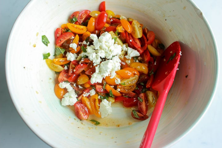 Fresh tomato sauce with basil and goat cheese pasta
