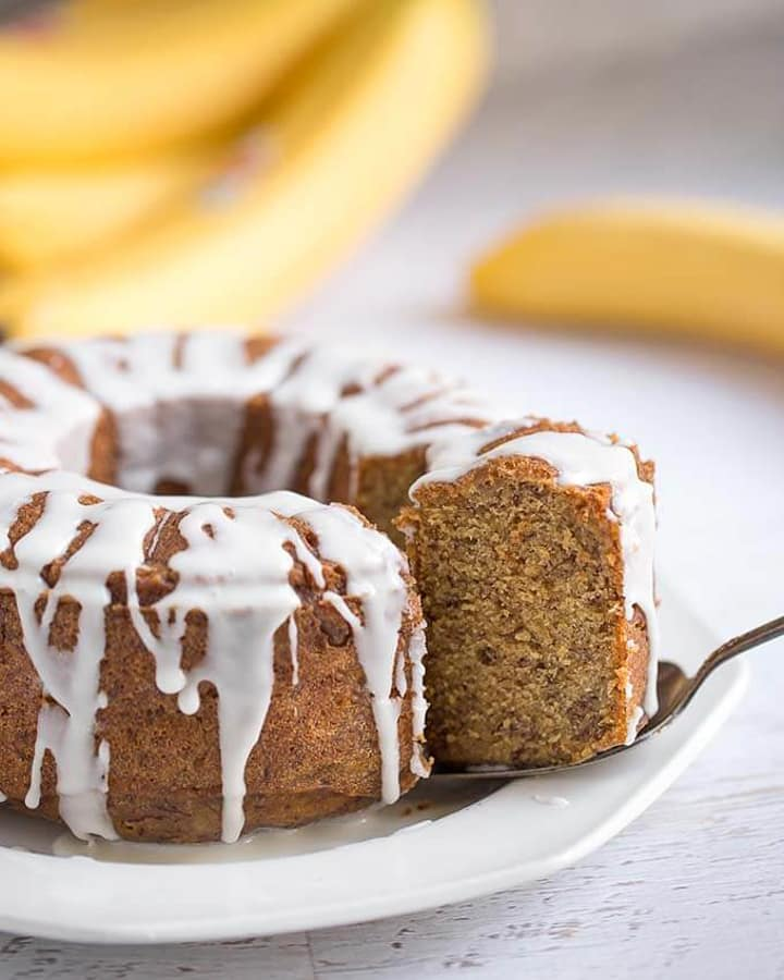 Banana bundt cake with drizzle